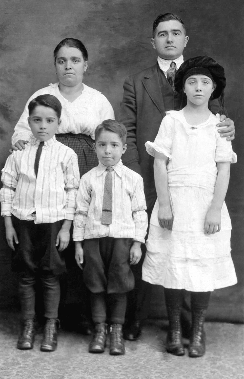 Minelli Family (c.1920)