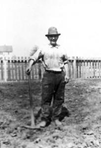 Giussippi DelCalzo (1923)